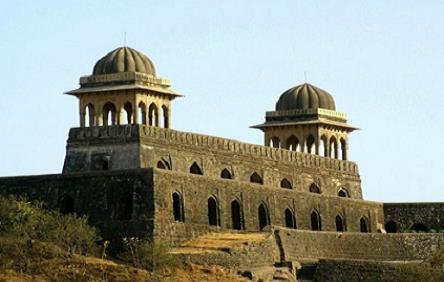 Nitin Singhania`s Gist: Indian Architecture & Sculpture & Pottery - 3 UPSC Notes | EduRev